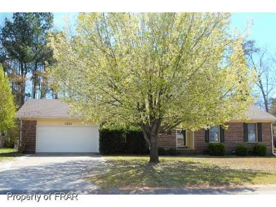 Fayetteville Single Family Home For Sale: 1221 Butterwood Cir
