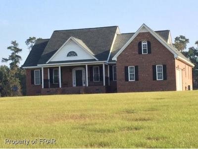 Robeson County Single Family Home For Sale: 1678 Red Hill Rd