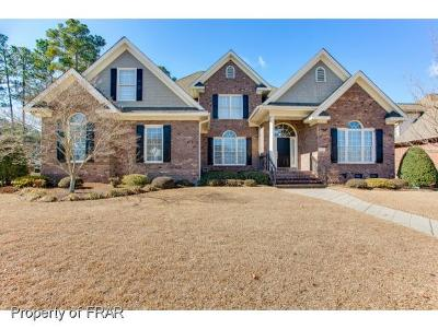 Fayetteville Single Family Home For Sale: 220 Northstone Place
