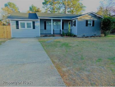 Hope Mills Single Family Home For Sale: 5787 Dove Dr