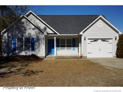 Raeford NC Single Family Home For Sale: $142,000