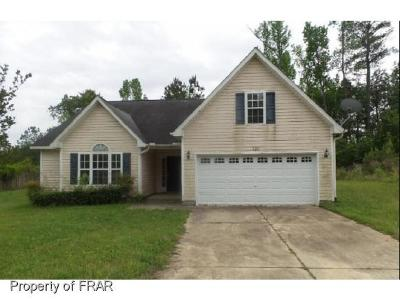Single Family Home For Sale: 120 Overton Dr