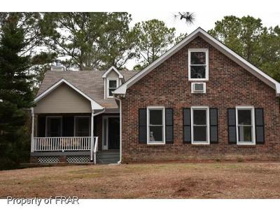 Hope Mills NC Single Family Home For Sale: $145,000