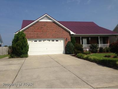 Hope Mills NC Single Family Home For Sale: $185,000