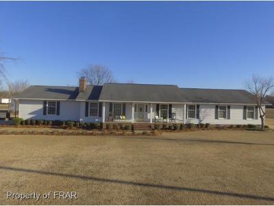 Robeson County Single Family Home For Sale: 3942 Singletary Church Rd