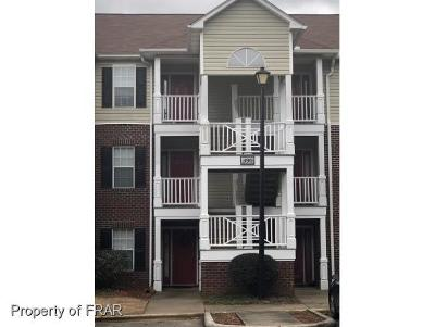 Fayetteville Single Family Home For Sale: 390-11 Bubble Creek Ct #11