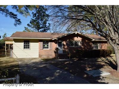 Fayetteville Single Family Home For Sale: 504 Barry Dr