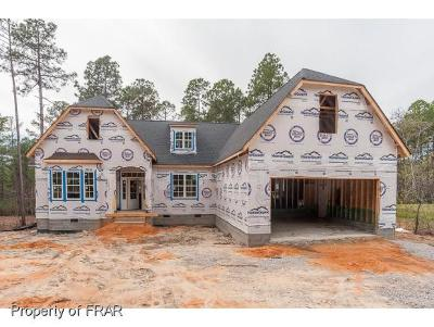 Southern Pines Single Family Home For Sale: 115 Holly Springs Ct