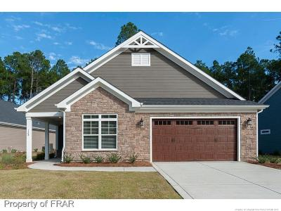 Southern Pines Single Family Home For Sale: 128 Holly Springs Ct #2