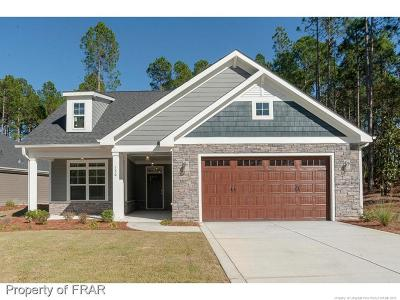 Southern Pines Single Family Home For Sale: 120 Holly Springs Ct #1
