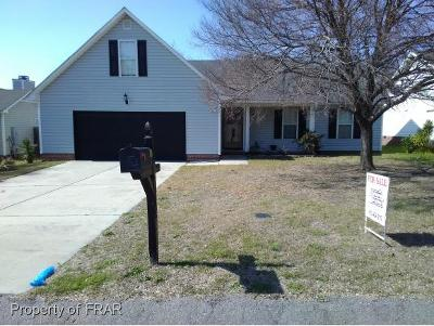Hope Mills NC Single Family Home For Sale: $130,000