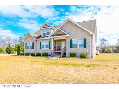 Fayetteville Single Family Home For Sale: 240 Gilbert Edge Rd