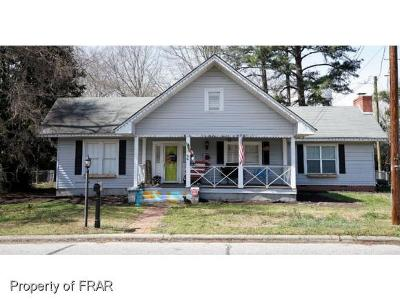 Robeson County Single Family Home For Sale: 44 S Fayetteville St #11