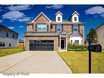 Fayetteville Single Family Home For Sale: 1422 Vandenberg Dr