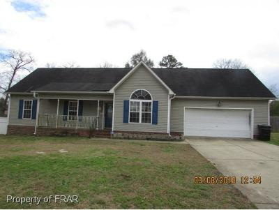 Raeford NC Single Family Home For Sale: $102,500