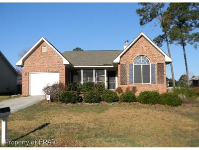 Fayetteville Single Family Home For Sale: 620 Daharan Dr #38
