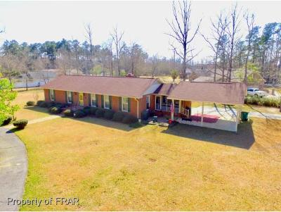 Robeson County Single Family Home For Sale: 5211 Simmons