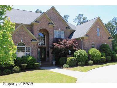 Fayetteville Single Family Home For Sale: 409 Swan Island Court