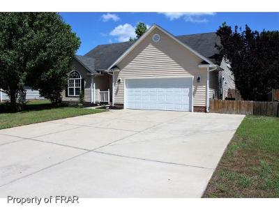 Hope Mills NC Single Family Home For Sale: $178,000