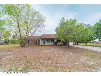 Hope Mills NC Single Family Home For Sale: $138,000