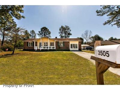 Hope Mills Single Family Home For Sale: 3505 Golfview Drive