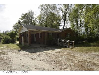 Sampson County Single Family Home For Sale: 1612 Minnie Hall Rd.