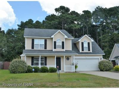 Hope Mills NC Single Family Home For Sale: $177,000