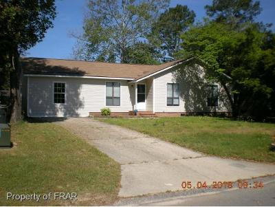 Hope Mills NC Single Family Home For Sale: $115,000