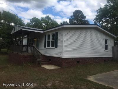 Hope Mills NC Single Family Home For Sale: $69,999