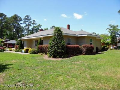 Robeson County Single Family Home For Sale: 414 W 26th St