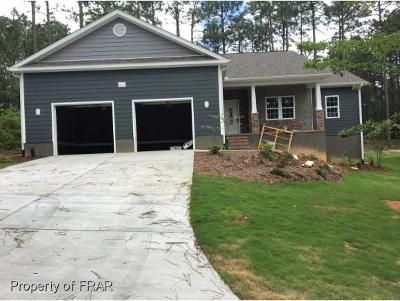 Southern Pines Single Family Home For Sale: 112 Triple Crown Cir