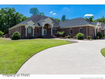 Robeson County Single Family Home For Sale: 303 Grande Oak Blvd