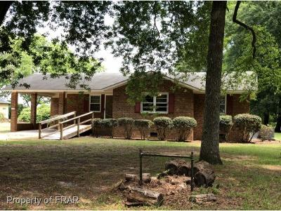 Sampson County Single Family Home For Sale: 1612 Minnie Hall Road