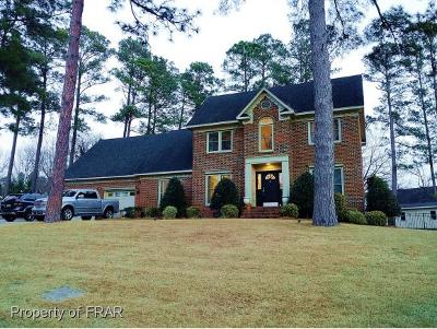 Fayetteville Single Family Home For Sale: 2440 Lull Water Drive #71