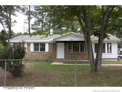Fayetteville Single Family Home For Sale: 832 Oakcrest Drive