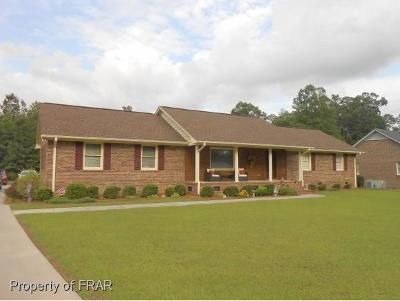 Robeson County Single Family Home For Sale: 5208 Camellia Ln
