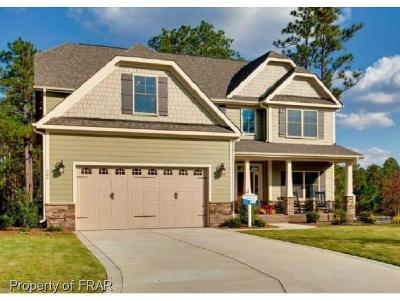 Southern Pines Single Family Home For Sale: 105 Aster Ct