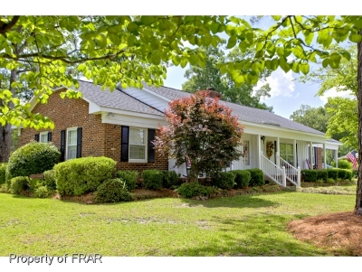 Robeson County Single Family Home For Sale: 5207 Camellia Ln
