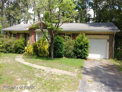 Fayetteville Single Family Home For Sale: 407 Southwick Dr