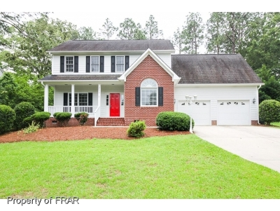 Fayetteville Single Family Home For Sale: 6899 South Staff