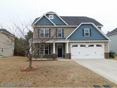 Hope Mills Single Family Home For Sale: 3533 Castlefield Lane