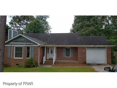Raeford NC Single Family Home For Sale: $105,000
