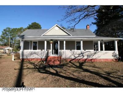Raeford NC Single Family Home For Sale: $103,000