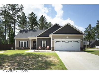 Raeford Single Family Home For Sale: 272 Triple Crown Dr #56
