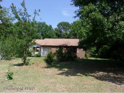 Raeford NC Single Family Home For Sale: $27,400