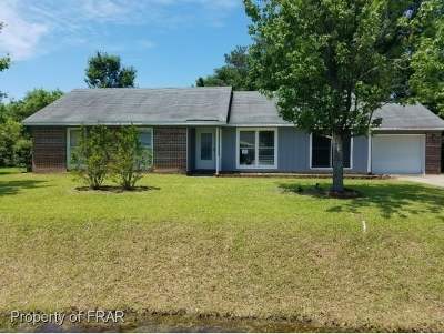 Raeford Single Family Home For Sale: 346 Woodberry Cir