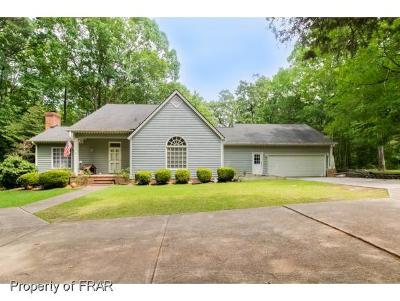 Fayetteville Single Family Home For Sale: 305 Oates Drive