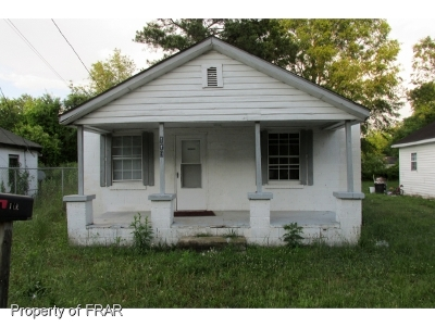 Red Springs Single Family Home For Sale: 119 Haywood St