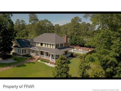 Fayetteville Single Family Home For Sale: 300 Forest Creek Drive