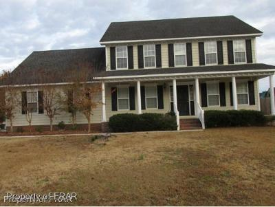 Hope Mills NC Single Family Home For Sale: $187,000
